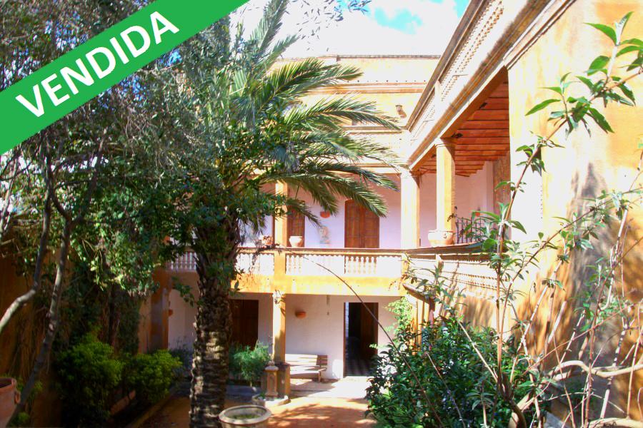 Autentica casa indiana en el centro de Begur, Costa Brava