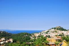 Parcela con vistas al mar y al pueblo