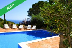 Property located 270Mts from the Beach of Sa Riera