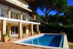 Magnifique maison à vendre à 300m de la plage de Tamariu