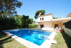 Vente – Maison jumelée avec piscine privée à Pals, Costa Brava