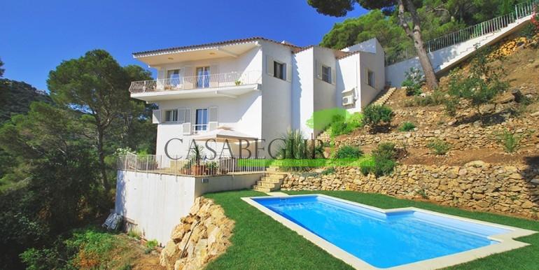 ref-822-sale-house-sa-tuna-sea-views-pool-casabegur-
