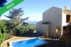 House for sale in the center of Begur, Costa Brava