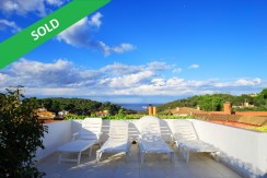 Property near the center of Begur