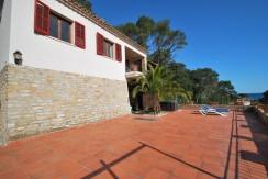 Casa con apartamento, garaje y vista al mar. A 300mts de la playa de Sa Riera