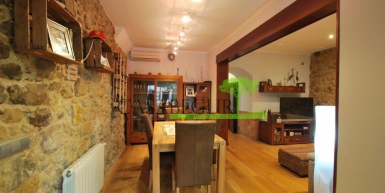 ref-945-sale-house-pals-center-village-casabegur-5