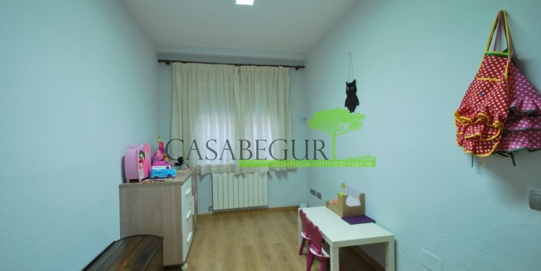 ref-945-sale-house-pals-center-village-casabegur-9