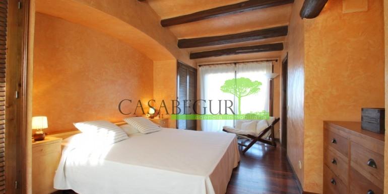 ref-946-sale-village-house-center-begur-costa-brava-casabegur-10