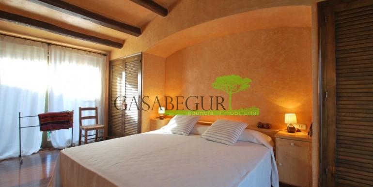 ref-946-sale-village-house-center-begur-costa-brava-casabegur-11