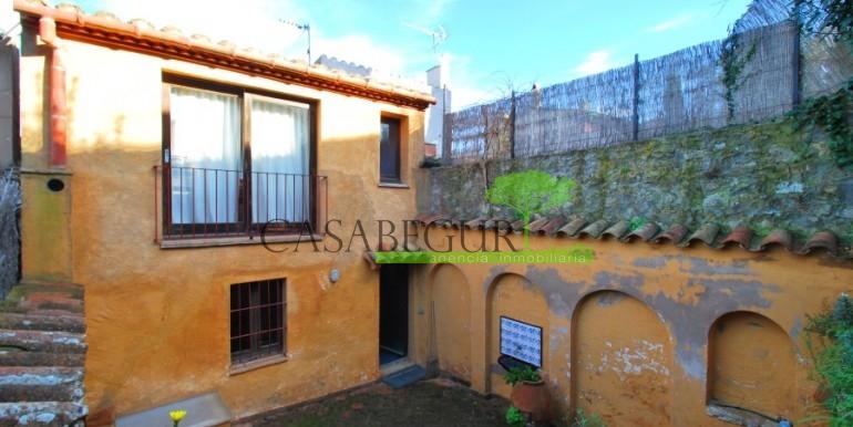 ref-946-sale-village-house-center-begur-costa-brava-casabegur-16