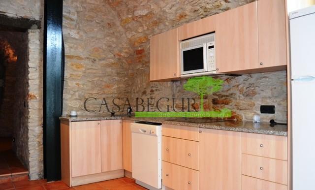 ref-795-D-sale-apartment-center-sea-views-costa-brava (15)