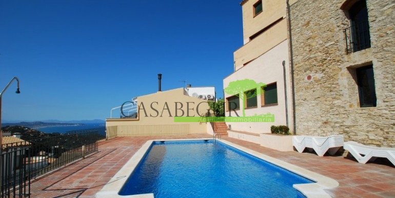 ref-795-D-sale-apartment-center-sea-views-costa-brava (9)