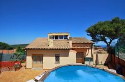 ref-983-sale-house-near-center-begur-pool-sea-views-costa-brava-sa-fontansa (1)