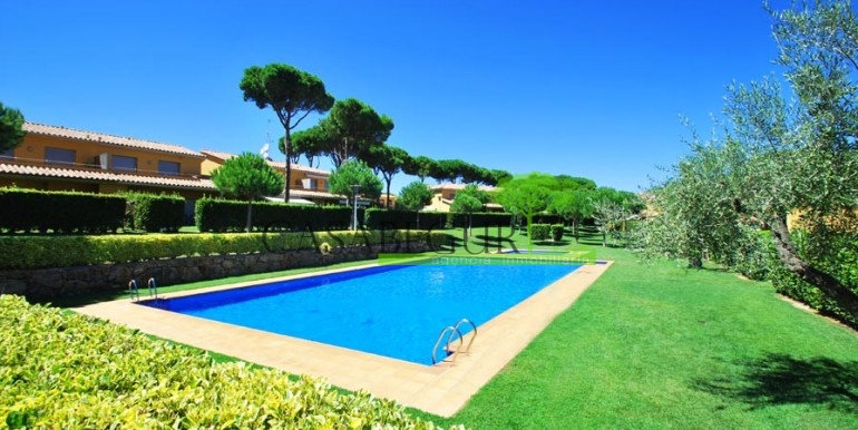 ref-994-sale-apartment-pals-beach-pool-garden-costa-brava-casabegur1
