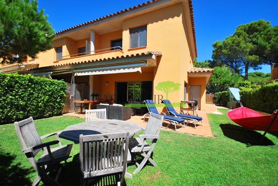 Terraced property for sale in Pals, Costa Brava