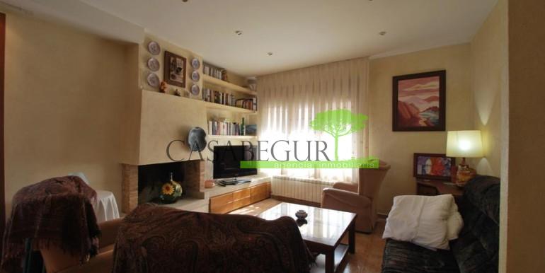 ref-100-sale-village-house-town-sale-center-begur-garden-casabegur11