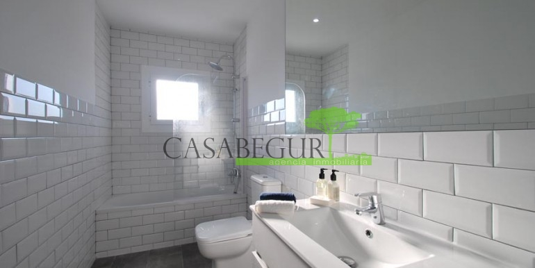 ref-1057-sale-townhouse-center-begur-costa-brava-casabegur-sea-views-12