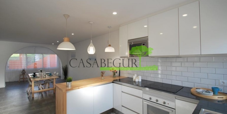 ref-1057-sale-townhouse-center-begur-costa-brava-casabegur-sea-views-14