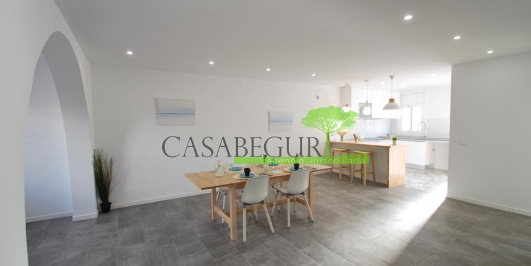 ref-1057-sale-townhouse-center-begur-costa-brava-casabegur-sea-views-2