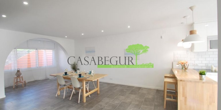 ref-1057-sale-townhouse-center-begur-costa-brava-casabegur-sea-views-3