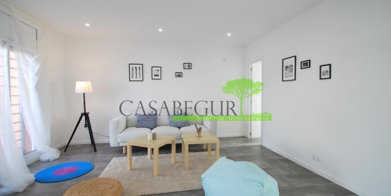 ref-1057-sale-townhouse-center-begur-costa-brava-casabegur-sea-views-8