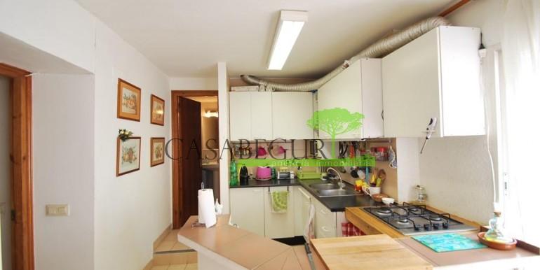 ref-1056-sale-village-house-center-begur-costa-brava10