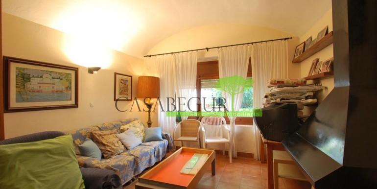 ref-1056-sale-village-house-center-begur-costa-brava2