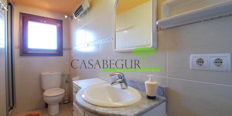 ref-1066-sale-village-house-center-begur-pool-garden-costa-brava-casabegur3
