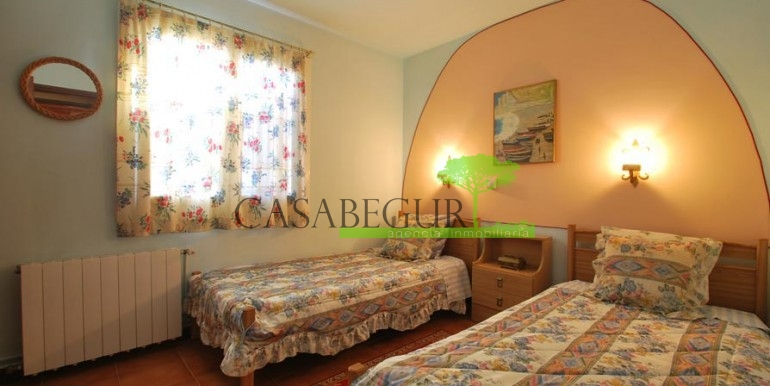 ref-1099-sale-house-sa-riera-es-valls-sea-views-costa-brava-casabegur-7