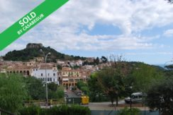 House built in 1960 for sale in the center of Begur