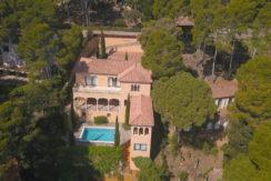617- Exclusieve villa op slechts 300m van het strand