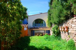 Authentic village house in the center of Begur