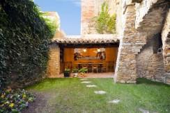 Casa de pueblo situado en el corazón de Begur