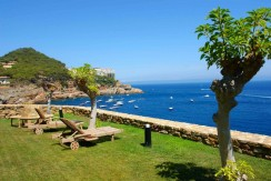 Seafront property for sale in Sa Tuna, Begur