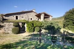 781- Oude masía te koop in omstreek Girona