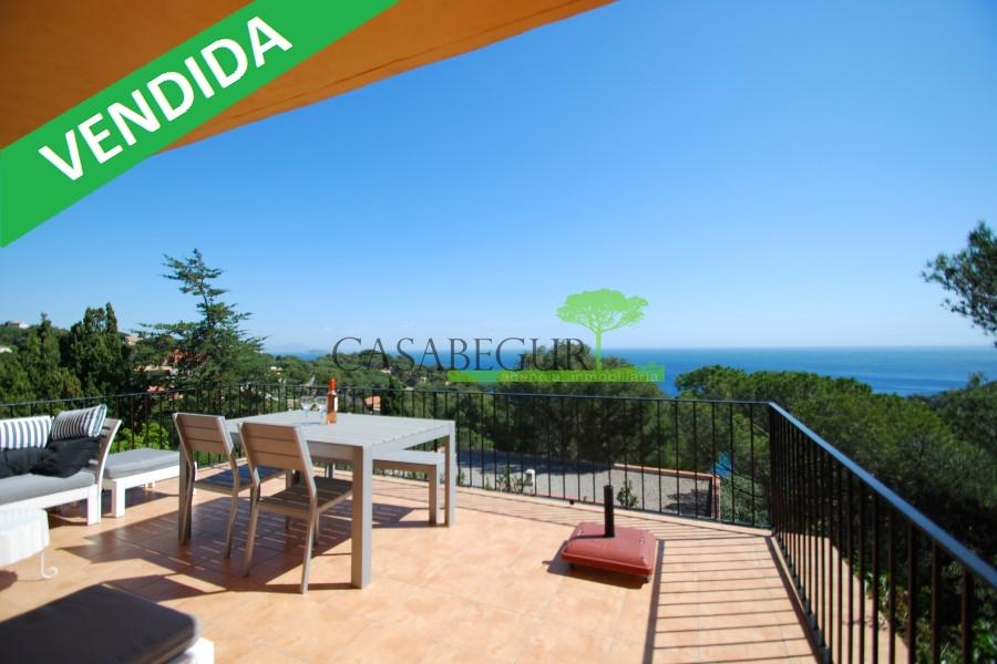 Apartamento con piscina en venta en Sa Riera, Begur
