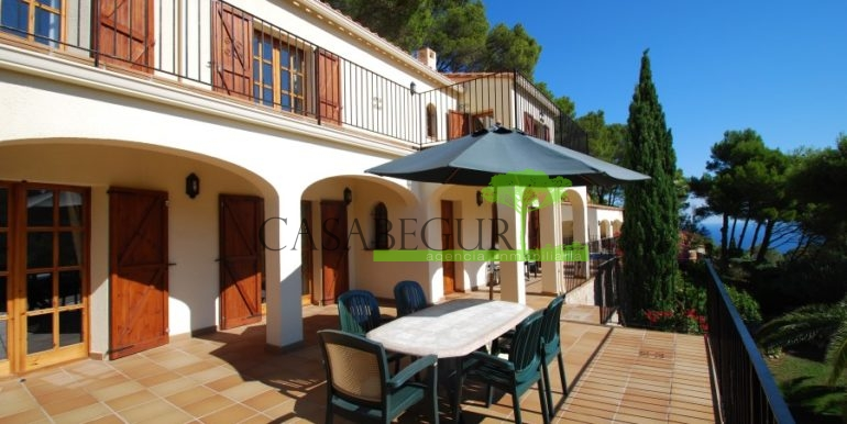 ref-926-villa-sa-tuna-begur-vue-mer-sea-views-11