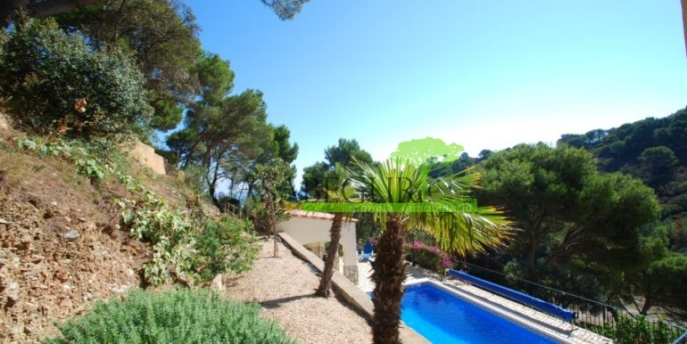 ref-926-villa-sa-tuna-begur-vue-mer-sea-views-13