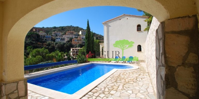 ref-926-villa-sa-tuna-begur-vue-mer-sea-views-2