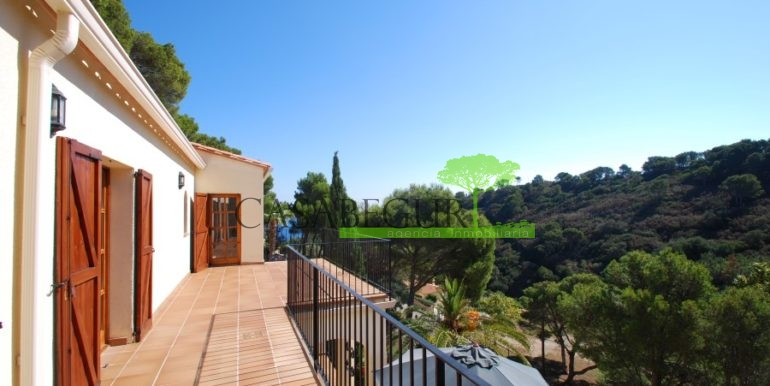 ref-926-villa-sa-tuna-begur-vue-mer-sea-views-25