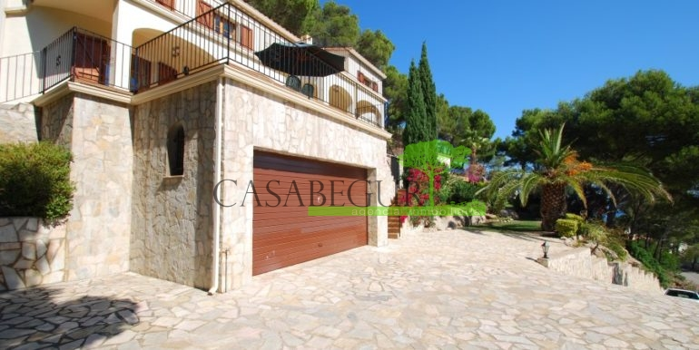 ref-926-villa-sa-tuna-begur-vue-mer-sea-views-28