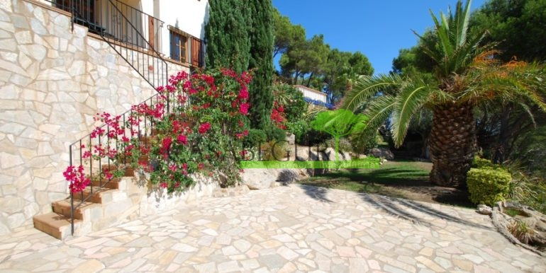 ref-926-villa-sa-tuna-begur-vue-mer-sea-views-29