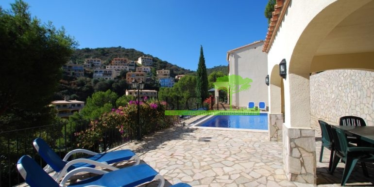 ref-926-villa-sa-tuna-begur-vue-mer-sea-views-30