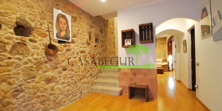 ref-945-sale-house-pals-center-village-casabegur-11