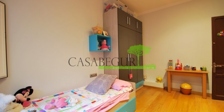 ref-945-sale-house-pals-center-village-casabegur-15