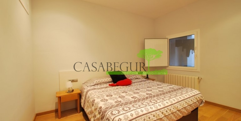 ref-945-sale-house-pals-center-village-casabegur-17