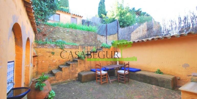 ref-946-sale-village-house-center-begur-costa-brava-casabegur-15