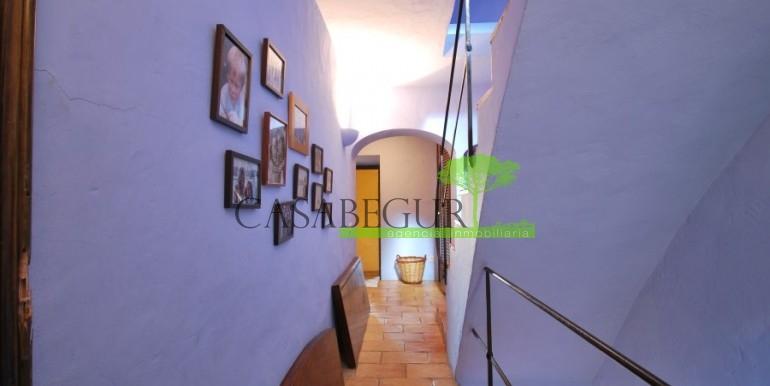 ref-946-sale-village-house-center-begur-costa-brava-casabegur-3