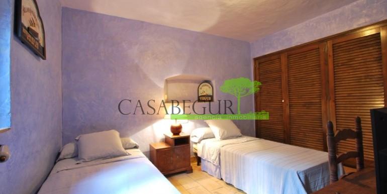 ref-946-sale-village-house-center-begur-costa-brava-casabegur-4
