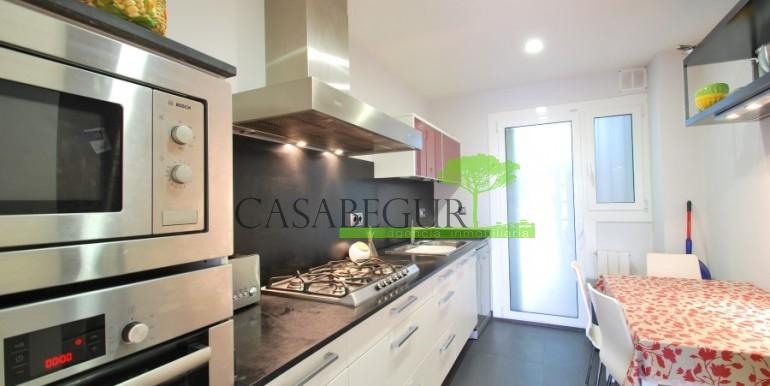 ref-967-sale-apartment-center-begur-costa-brava (9)